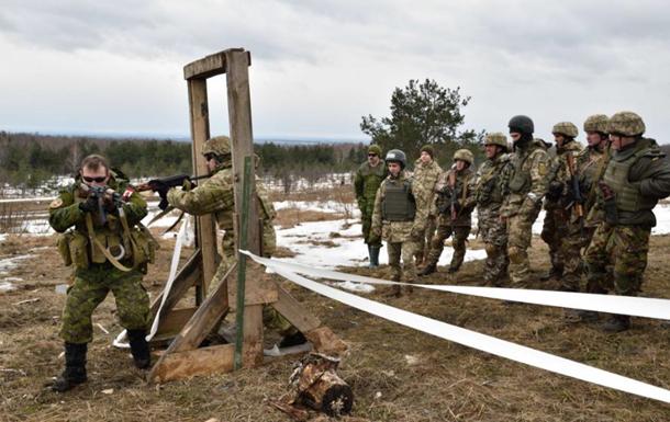 Канада продовжила навчальну місію в Україні