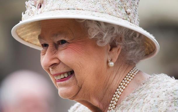 Королева Британії покаталася на поні