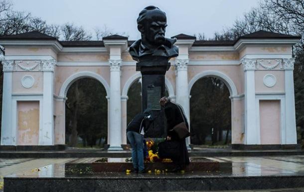 У Сімферополі заборонили акцію біля пам ятника Шевченку