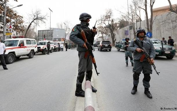 Невідомі атакували госпіталь у центрі Кабула
