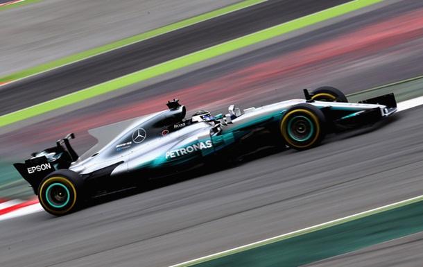 Формула-1: Боттас лидирует во второй день тестов