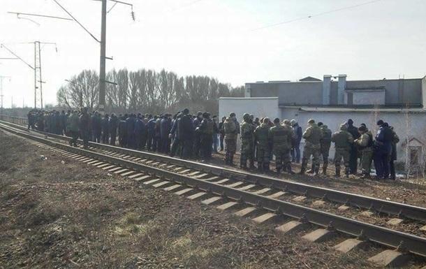Штаб блокады отказался сдавать оружие полиции