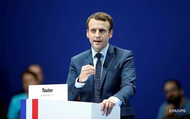 Макрон випереджає Ле Пен в обох турах виборів - опитування