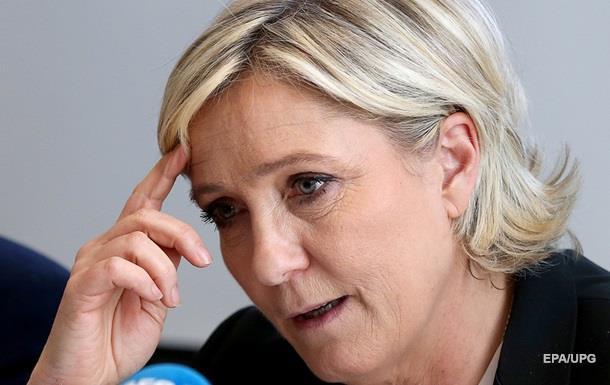Ще одному помічнику Ле Пен висунули звинувачення