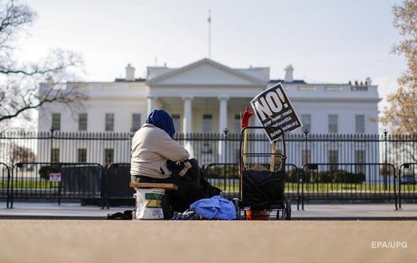 У Білому Домі скаржаться на попередніх чиновників Обами