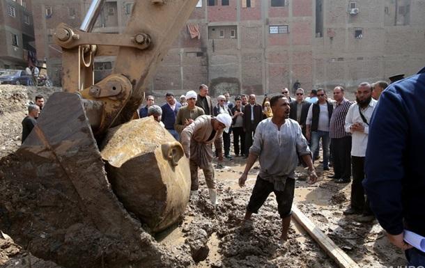 В Египте среди мусора нашли статую Рамзеса II