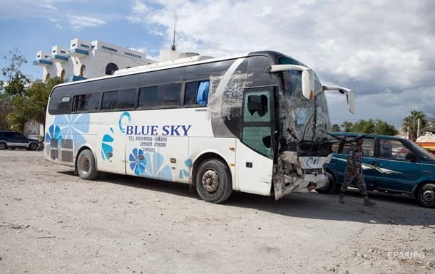 Наезд автобуса на людей в Гаити: появилось видео
