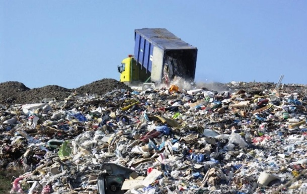 Возле Кривого Рога задержали фуру с мусором из Львова