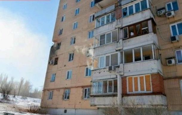 У Донецьку снаряд потрапив у житловий будинок