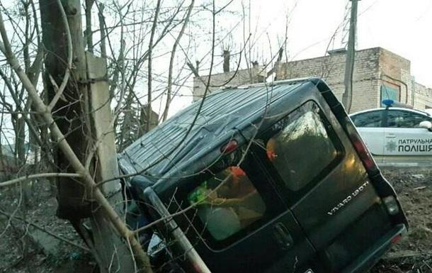 П яна ДТП в Києві: Opel злетів у обрив