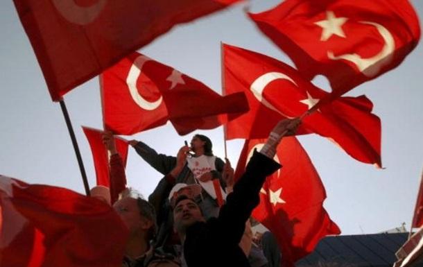 Турция разрешила въезд украинцам по ID-карточкам