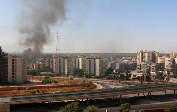 В столице Ливии столкновения с участием танков