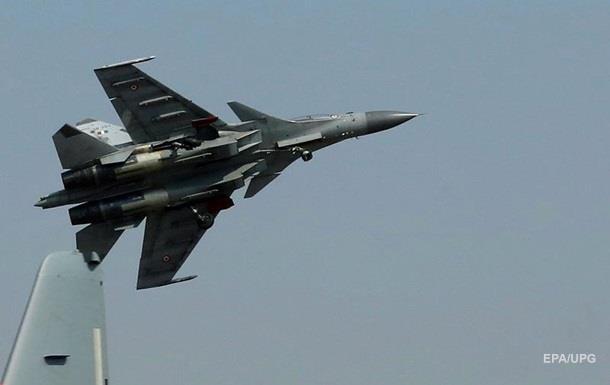 Винищувач Су-30 впав на поселення в Індії