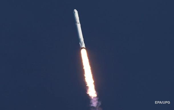 SpaceX успешно вывела спутник связи на орбиту