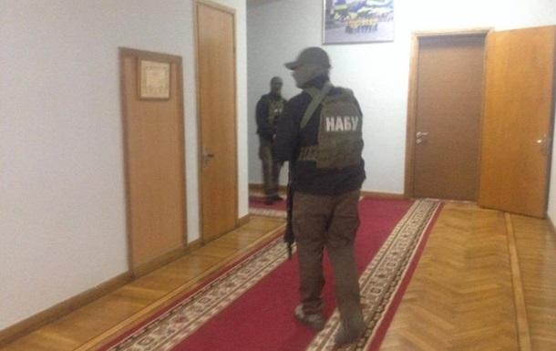 Силовики заблокировали здание ОГА в Запорожье