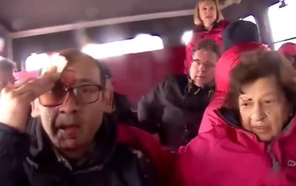 BBC показало, як туристи втікають від вулкана Етна