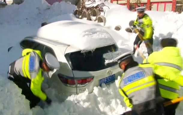 У Тибеті від снігу постраждали 20 тисяч осіб