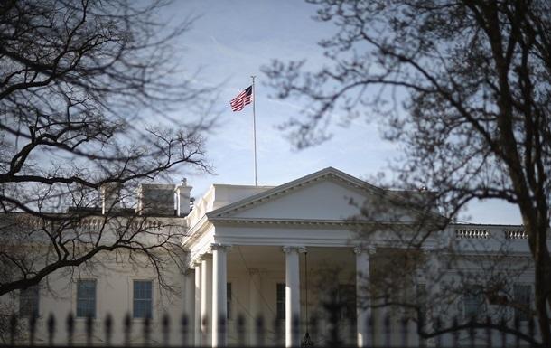 Біля Білого дому затримали чоловіка, який заявив про бомбу