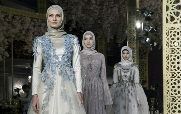 Дочь Кадырова устроила показ мусульманской одежды