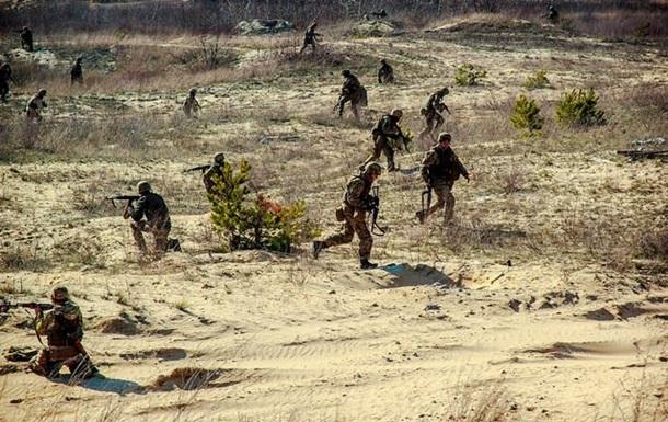Волонтери заявили про запеклі бої під Маріуполем