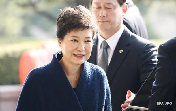 Экс-президента Южной Кореи допрашивали 14 часов