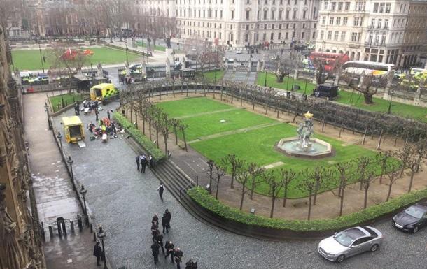 Стрілянина біля парламенту Британії: 10 поранених