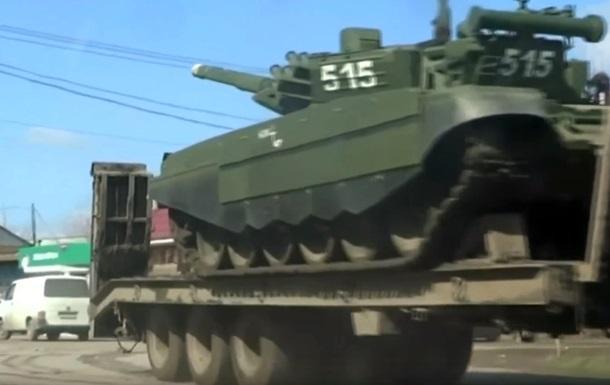 ЗМІ показали російські танки біля українського кордону