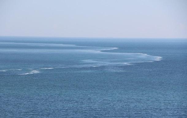 В Одессе наблюдали необычные волны