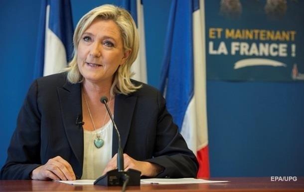 Ле Пен поскаржилася на відмову банків видавати їй кредити