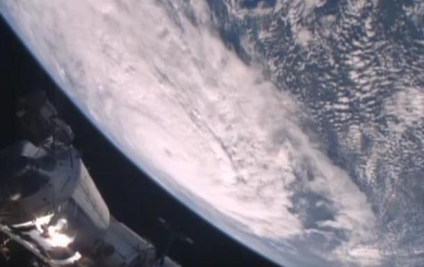 Разрушительный циклон Дебби показали из космоса