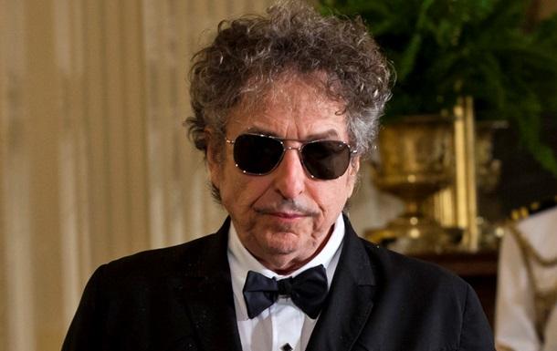 Боб Дилан прийме Нобелівську премію з літератури