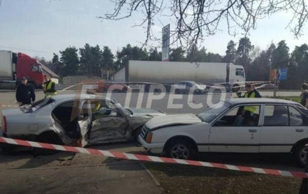 Тройное ДТП в Киеве: семь пострадавших