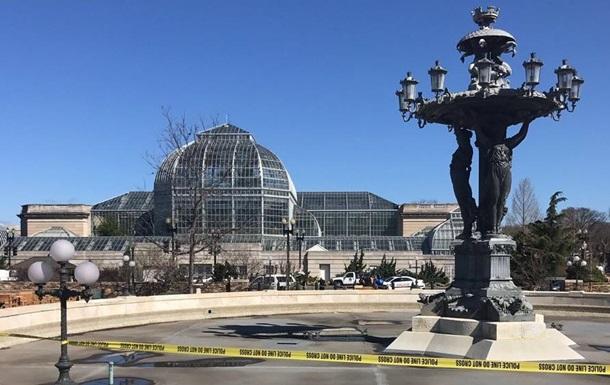 У центрі Вашингтона жінка намагалася наїхати на копів