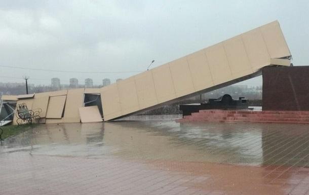 У Ростовській області впав 25-метровий пам ятник
