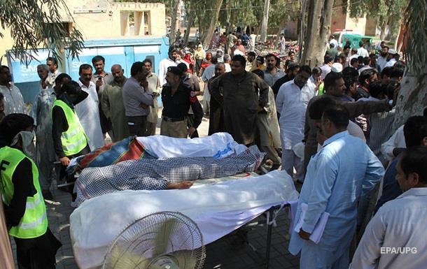 В Пакистане смотритель храма зарезал 20 прихожан