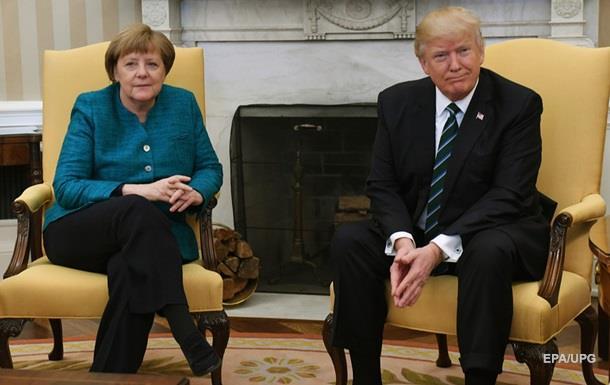 Трамп пояснив відмову потиснути руку Меркель