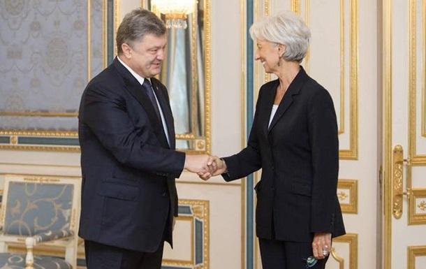 МВФ схвалив новий кредит Україні - Порошенко