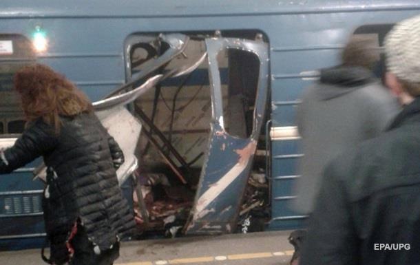 Экс-депутат: Порошенко не должен молчать по теракту в Питере