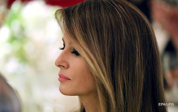 В США требуют, чтобы жена Трампа переехала в Вашингтон