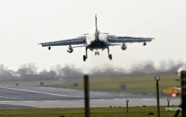 У Росії заявили про знищення половини авіації Асада
