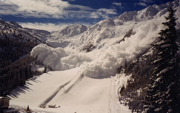Біля Ванкувера через лавину загинули чотири туристи