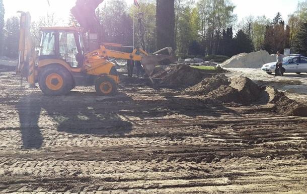 В Тернополе возле памятника Бандере нашли человеческие останки