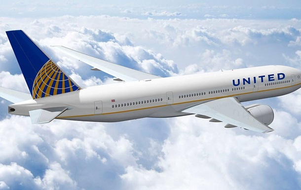 United Airlines потеряла $750 миллионов из-за снятого с рейса пассажира