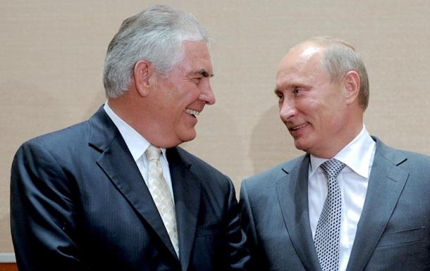 Тиллерсон проводит встречу с Путиным