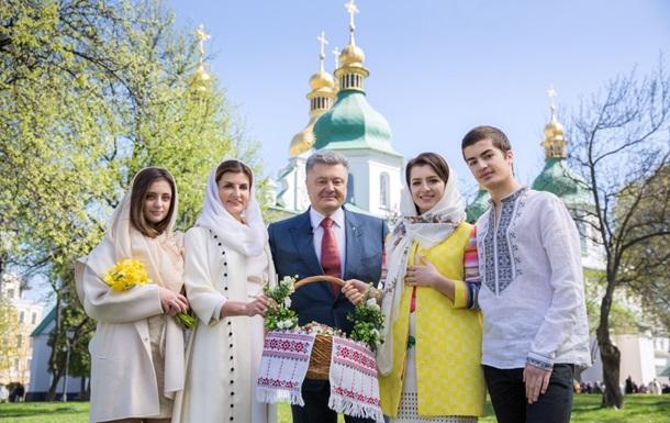 Порошенко привітав українців із Великоднем