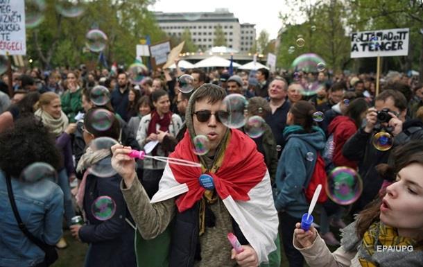 В Угорщині пройшов десятитисячний мітинг