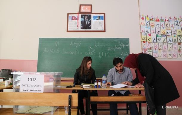 В Турции при перестрелке во время референдума погибли двое