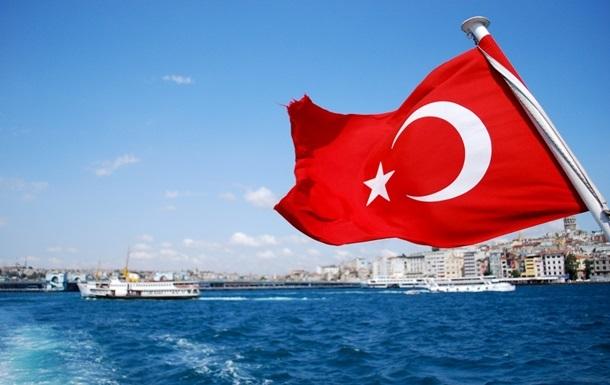 Уряд Туреччини продовжив режим НС