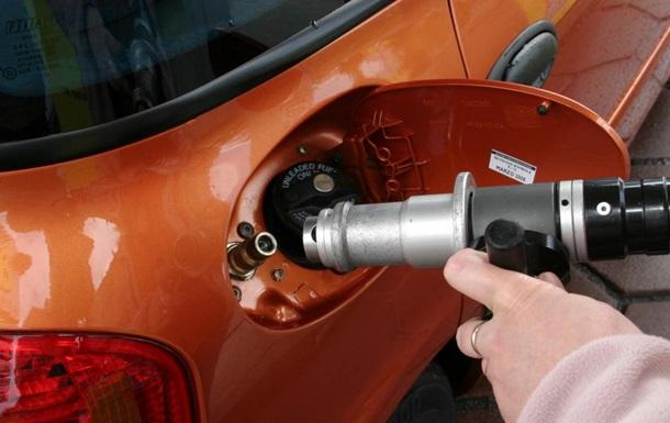 На Великдень в Україні здорожчав газ для авто