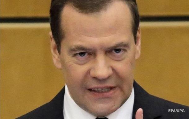 Медведєв про обвинувачення від Навального: Товар з брехунця